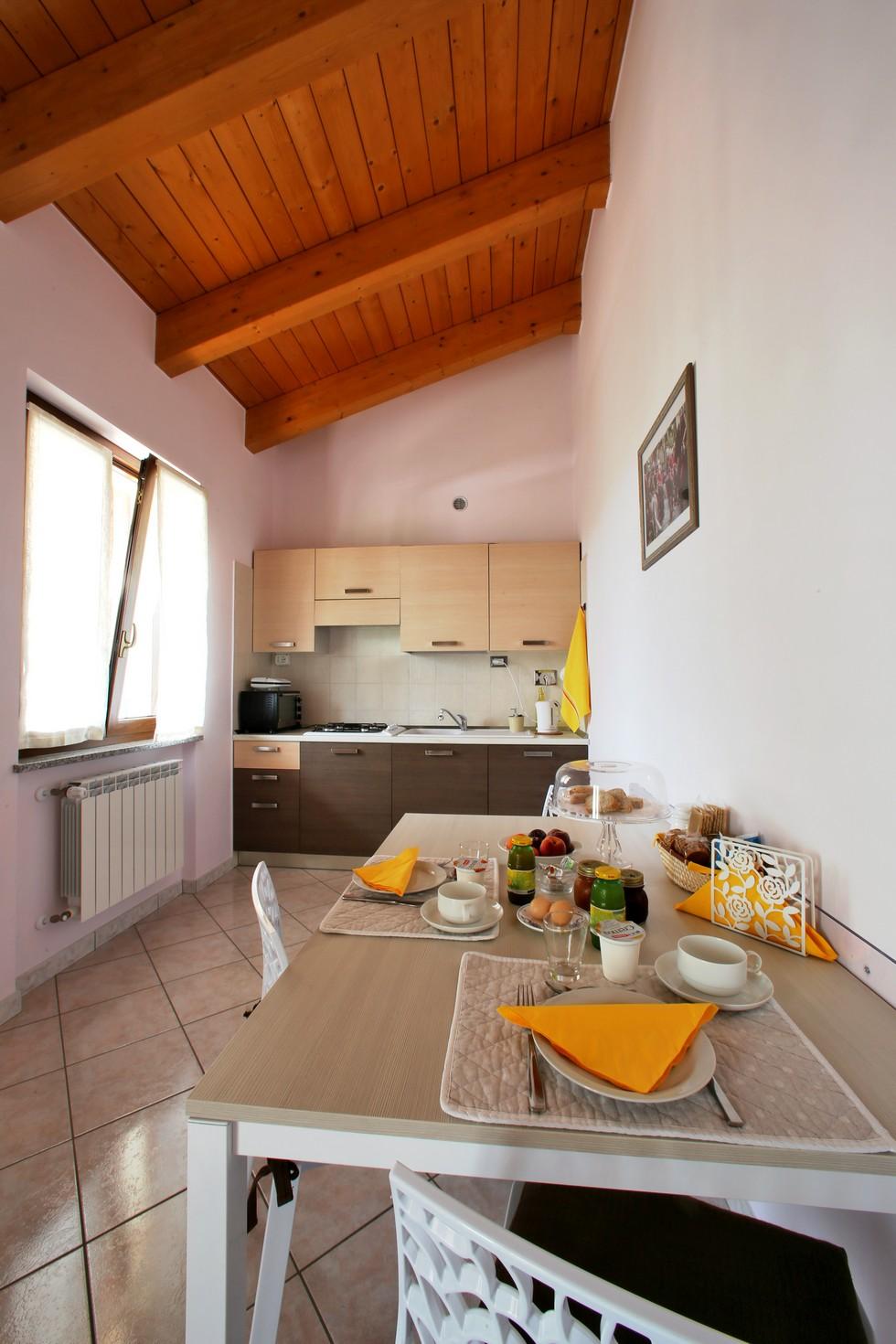 Cucina in appartamento per vacanze