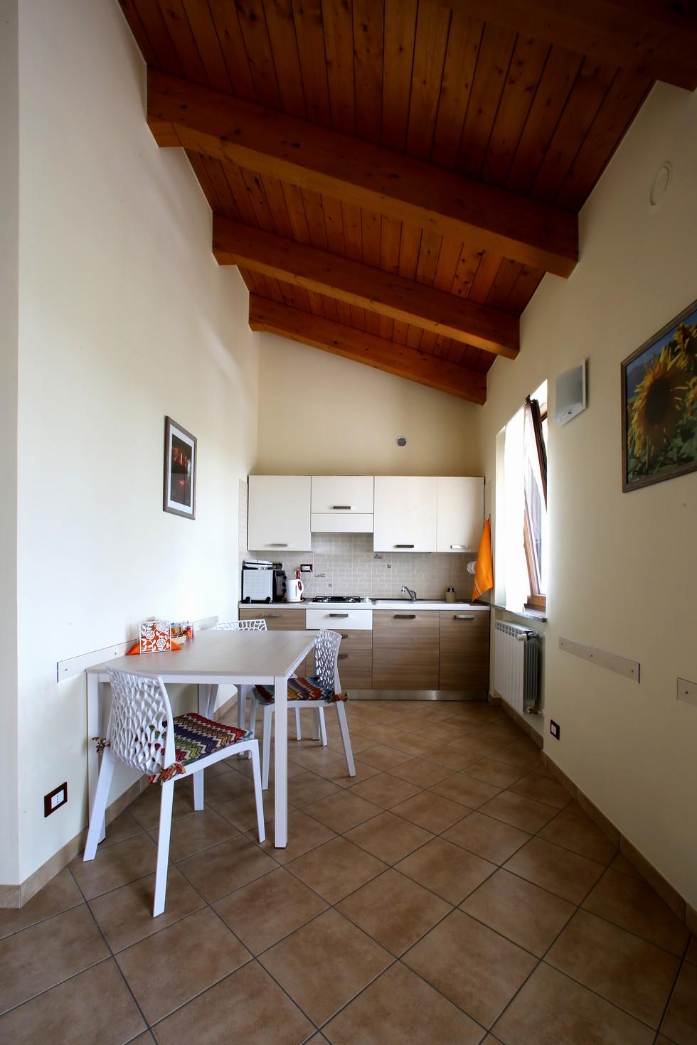 Angolo cucina in appartamento per le vacanze Piemonte