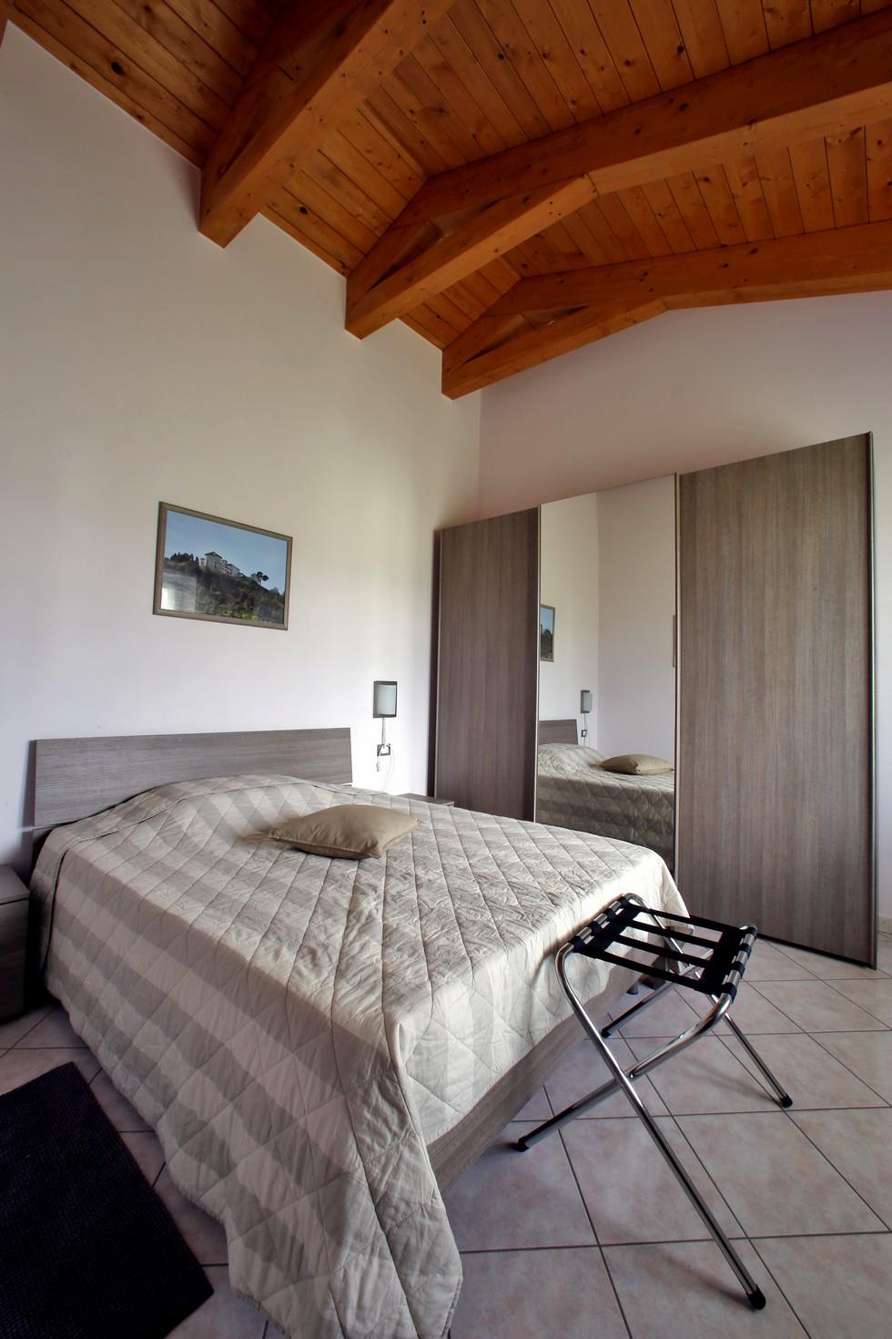Camera da letto con armadio grande, appartamento