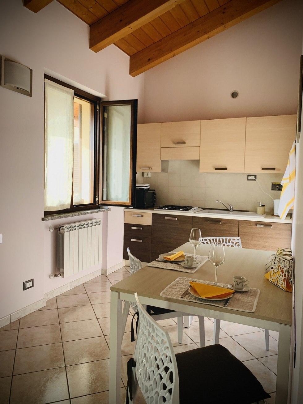 camera con cucina per vacanze alto piemonte