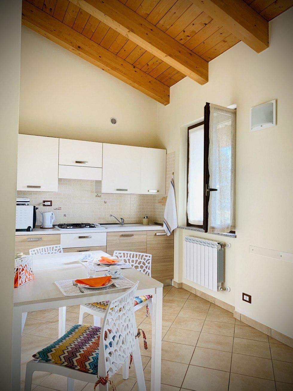 appartamento con cucina per vacanze nel canavese